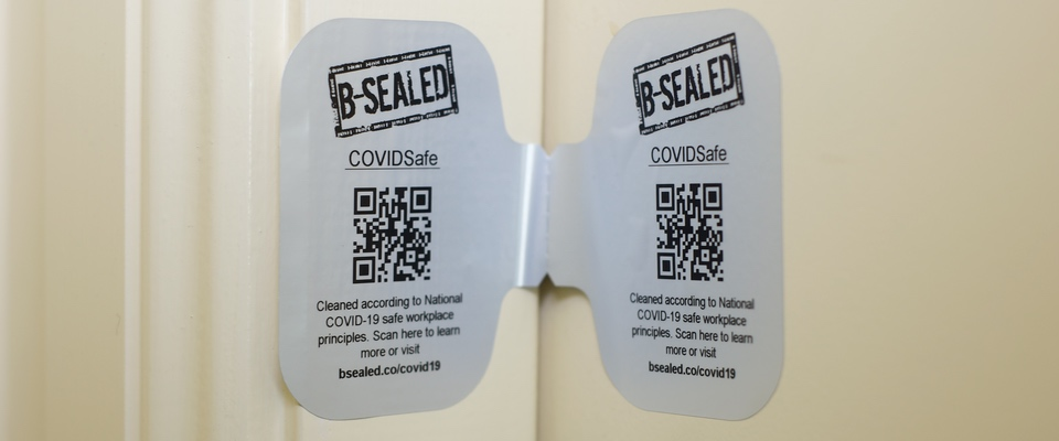 Reinforce your customer confidence with a clean door seal label.